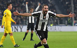 Higuain urged to forget EUR90m fee by former coach Passarella
