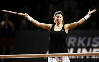 Siegemund ousts Halep to return to Stuttgart final