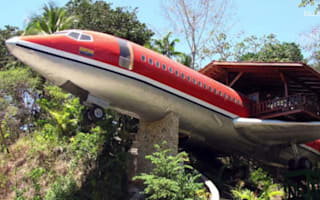 Spend the night in a Boeing 727 in Costa Rica