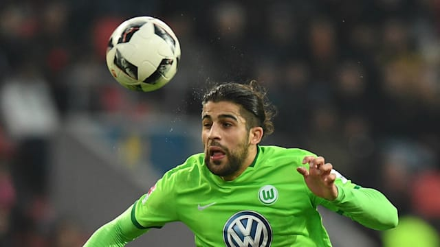 Vieirinha strike saves Wolfsburg from relegation