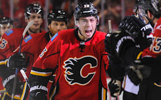 Gaudreau, Flames agree to six-year extension