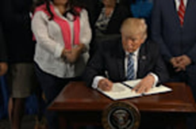 Trump signs whistleblower protection order at Veterans Affairs
