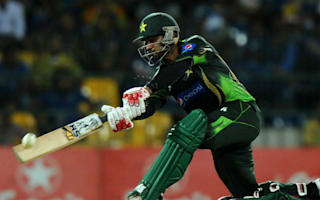 Hafeez banned from bowling in Pakistan Super League