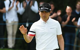 Yang finishes strong to share Wentworth lead
