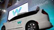 Waymo patenta un coche 'blandito' para proteger a los peatones en caso de atropello