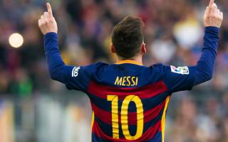 Messi: Ronaldinho told me to take his No.10