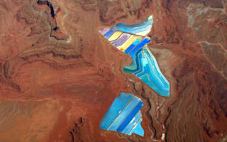 Beautiful coloured pools discovered in desert