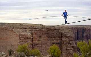 Video: Daredevil crosses Grand Canyon with no safety harness