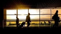 Si tomas fotos o vídeos dentro del avión, estas aerolíneas te pueden expulsar del vuelo