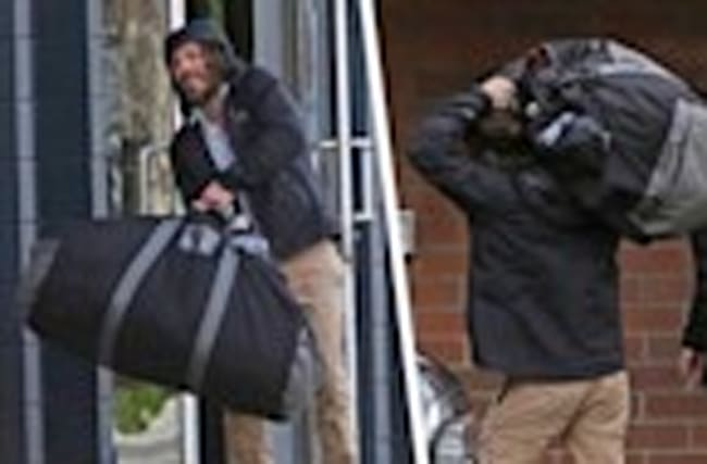 Casey Affleck: What's In The Bag?!