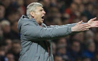 Wenger denies dressing-room row after Bayern thrashing