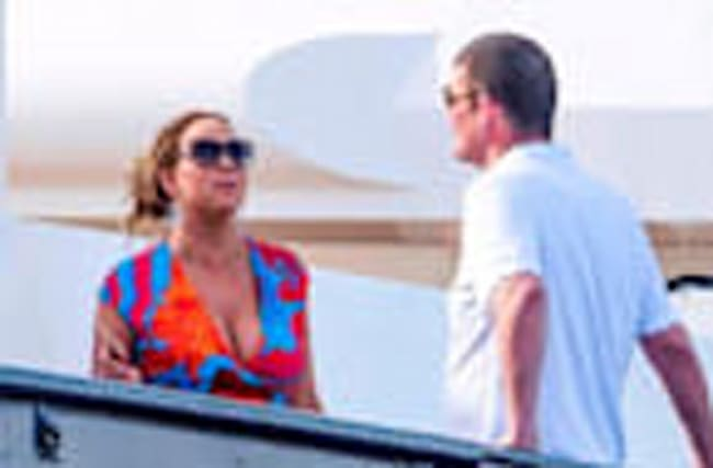 Mariah Carey's Relationship Reportedly Crumbled During Greece Vacation