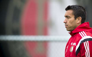 Van Bronckhorst: Manchester United still one of world's biggest clubs