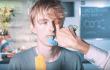 Estos YouTubers se graban probando drogas para mostrarte sus efectos