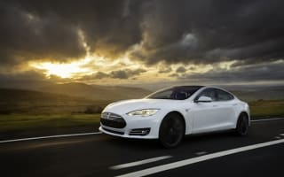 Uber CEO wants to buy 500,000 Teslas