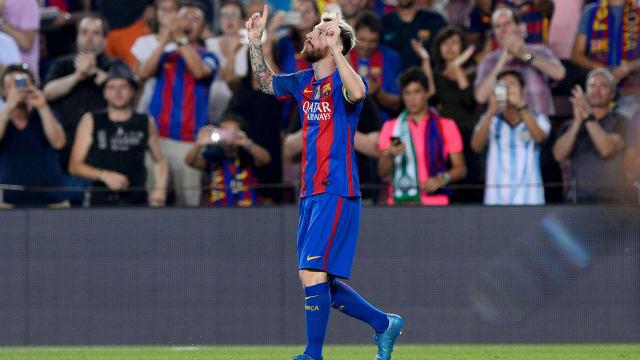 Lionel Messi scores hat-trick, beats Cristiano Ronaldo to UCL record