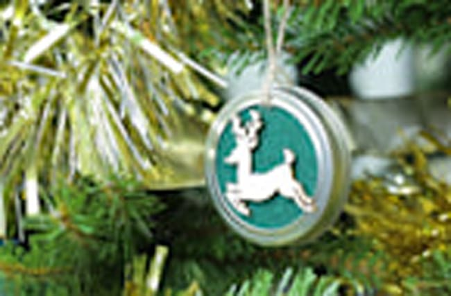 How to Make a Mason Jar Lid Ornament