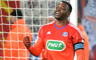 Mandanda claims to have rejected interest from several clubs