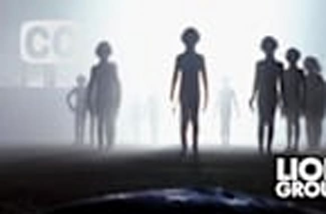Women claims she meets with aliens every month