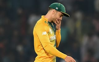 Du Plessis out for six weeks with broken finger