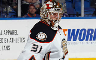 Maple Leafs acquire goalie Andersen from Ducks for draft picks