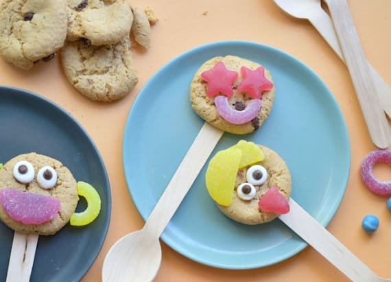 Back to school bite: Fun-faced cookie lollipops