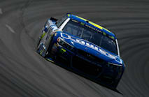 Jimmie Johnson goes back to back at Bristol