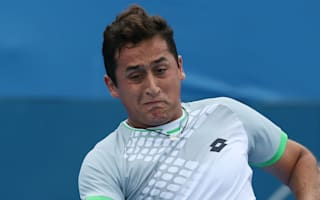 Almagro ousted by Mathieu in Hamburg, Kohlschreiber marches on