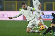 I hope I don't jinx him - De Rossi tips Gagliardini as his 'heir'