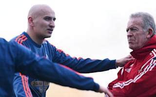 Shelvey wants to stay at Swansea - Curtis