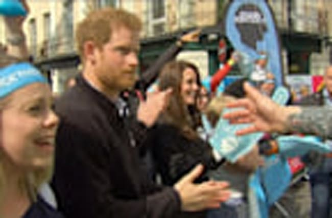 British royals cheer London marathon runners