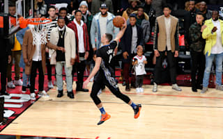 LaVine takes out amazing dunk contest