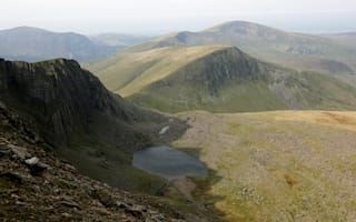 Walker dies after falling on Snowdon