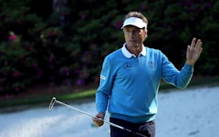 Spieth not surprised to see Langer in contention
