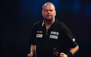 Van Barneveld and Whitlock coast through at Ally Pally