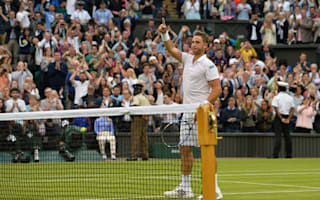 Willis wins plaudits in defeat, Djokovic sets Open Era record