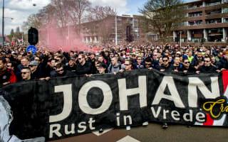 Ajax pay tribute to Cruyff