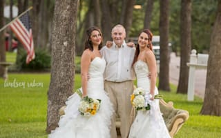 Single sisters take wedding pics for dad with Alzheimer's