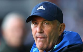Pulis signs contract extension at West Brom