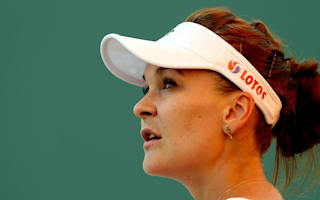 Radwanska out of Sharapova's way in Stuttgart
