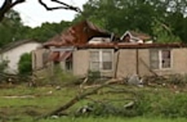 Storms, tornadoes kill 5 in southern U.S.
