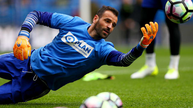 New deal agreed as Chelsea goalkeeper Eduardo plays waiting game