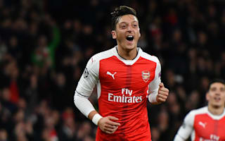 Walcott impressed by the 'new, aggressive' Ozil