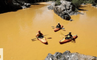 Toxic waste water turns US river bright yellow