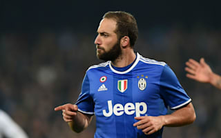 Barzagli hails Higuain professionalism after Napoli double