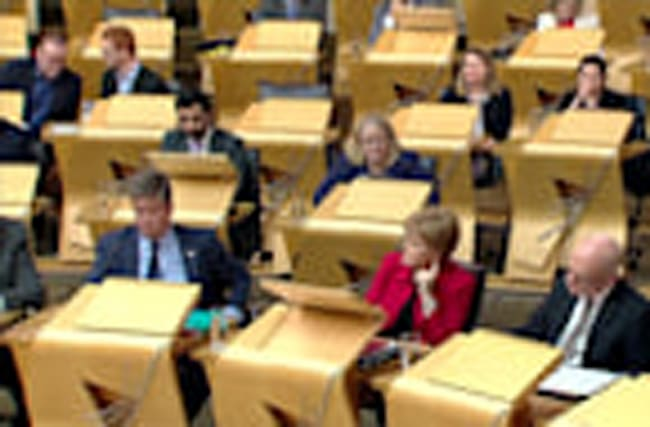 Scottish parliament backs bid for new independence referendum