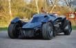 Este brutal Batmóvil existe y corre en la excéntrica Gumball 3000