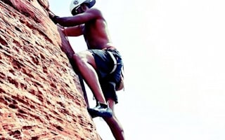 Lewis Hamilton shows off rock climbing skills on Colorado holiday