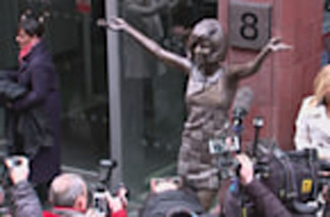 A life size statue of Cilla Black unveiled in Liverpool