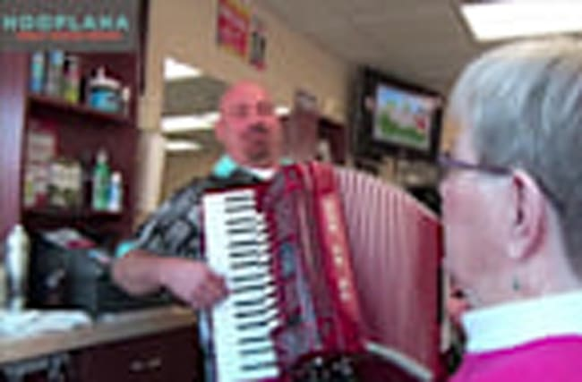 Old School Barbers Sing, Cut Hair and Talk Love - La Vita Italian